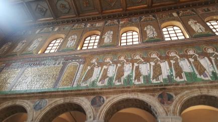 Mosaik yang masih utuh dari zaman Byzantium