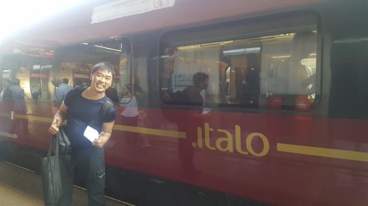 Kereta cepat Italo yang kami tumpangi dari Bologna