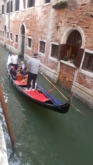 Naik Gondola memang asik namun siap-siap dengan harganya yang mahal