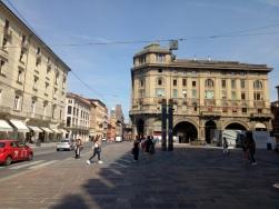 Pemandangan khas bologna dengan portico