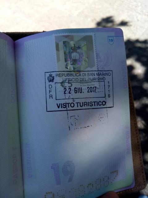 Stempel San Marino seharga 5 euro, souvenir otentik ala San Marino