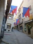 jalan dengan bendera-bendera khas San Marino