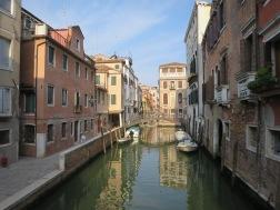 Burano adalah versi sepinya Venesia