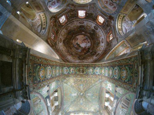 Mosaik Kristus dan kedua belas rasul