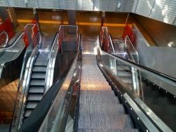 Tangga jalan menuju Metro