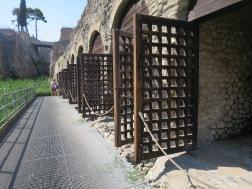 Galangan kapal di Herculaneum
