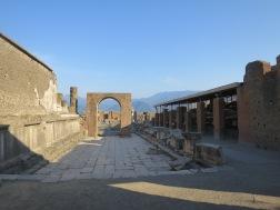 Suatu senja di forum Pompeii