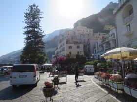 Keindahan Amalfi dan cerahnya sinar mentari