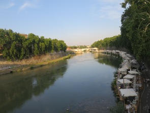Pemandangan Sungai Tiber