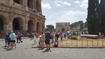 keramaian di Colosseum