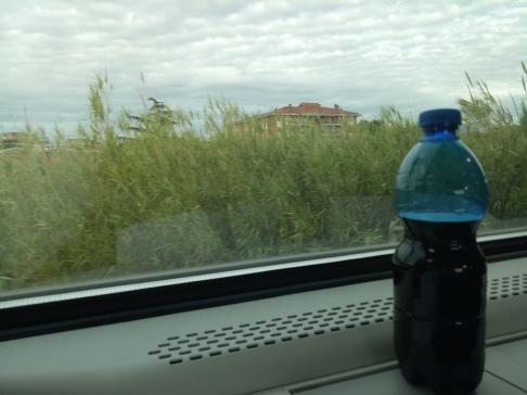 Sisa wine Montepulciano dalam perjalanan ke Ciampino