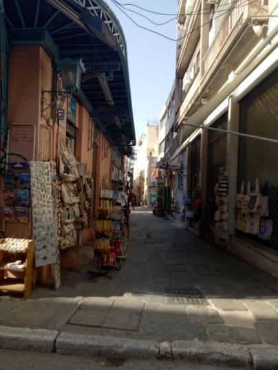 Plaka dan toko-toko souvenir