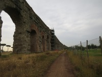 Kokohnya Akuaduk ini adalah bukti keunggulan arsitektur bangsa Roma