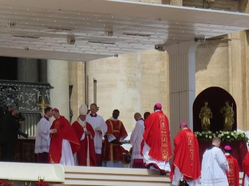 Paus Francis dan rombongannya
