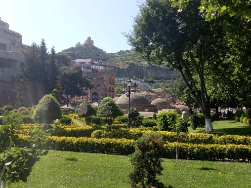 Pemandangan hijau di Abanotubani