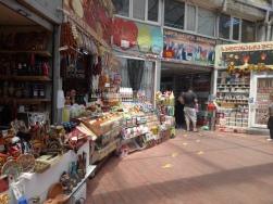 Tempat kami belanja di Dezertir's Bazaar