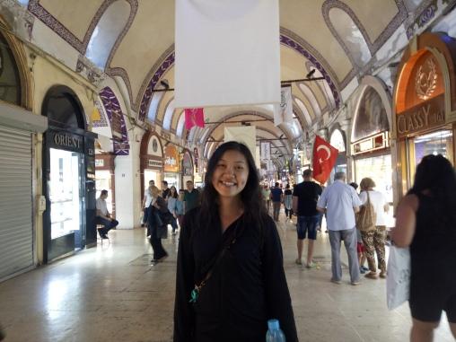 Si Nyonya di Grand Bazaar
