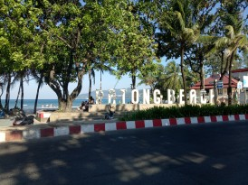 Tempat ideal buat mencegat Songtheaw Biru