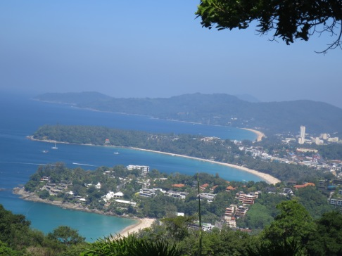 Pemandangan dari Karon View Point