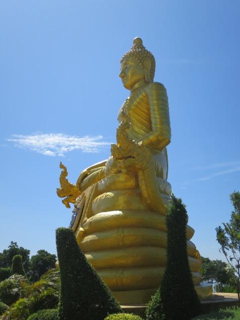 Buddha Perunggu di dekat Big Buddha