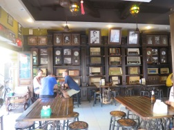 Coffee shop bertema vintage