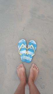 Sandal Jepit si Nyonya dari Italia