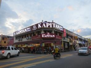 Restoran Kapitan yang terkenal akan masakan India Melayu-nya