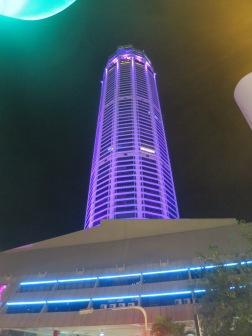 Menara Komtar di malam hari