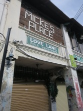 salah satu cafe di Love Lane