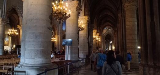 Ruang samping gereja Notredame
