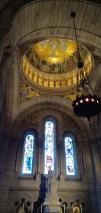 Interior gereja yang agung
