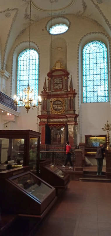 Klausen Synagogue
