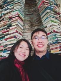 di luar book tunnel