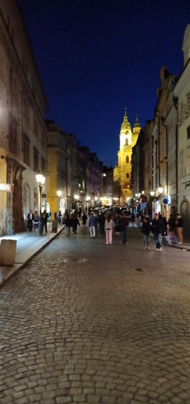 Ramainya Old Town di malam hari