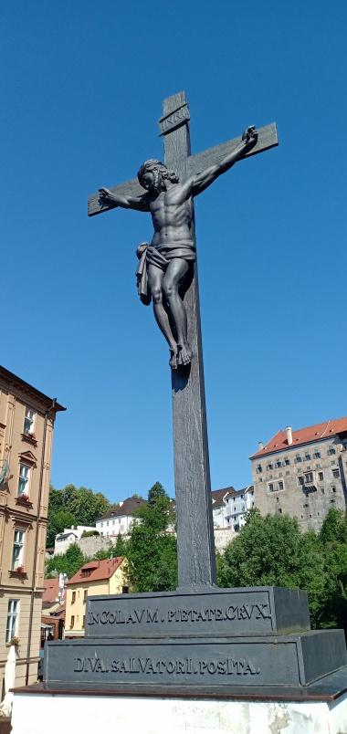 Patung Salib Kristus