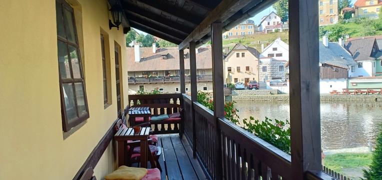 Pemandangan sungai dari Hostel Merlin