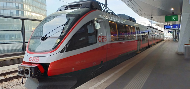 Kereta OBB yang kami tumpangi dari Hallstatt