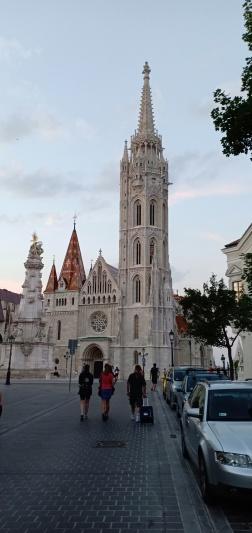Akhirnya Gereja St Mathias terlihat