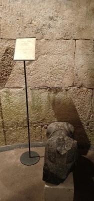Patung Sphinx yang dibawa oleh Kisar