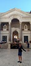 Vestibule, gerbang menuju kediaman Kaisar Diocletian