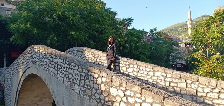 Jembatan Kriva Cuprija yang merupakan miniatur dari Stari most