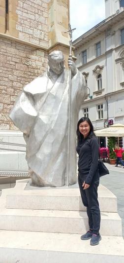 Patung Paus Yohanes Paulus II