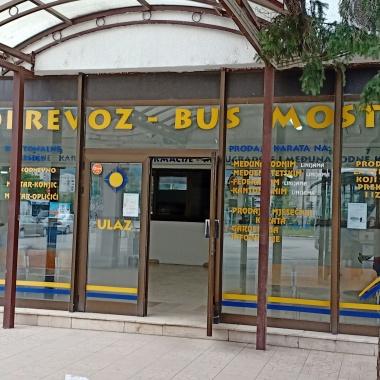 Loket tempat membeli tiket di terminal Mostar