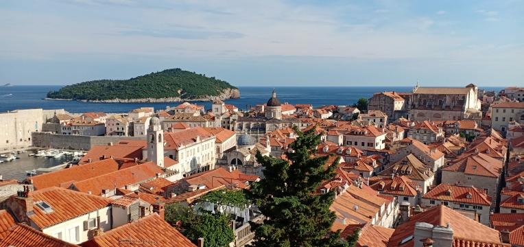 Dubrovnik,Laut Adriatik dan Pulau Lokrum